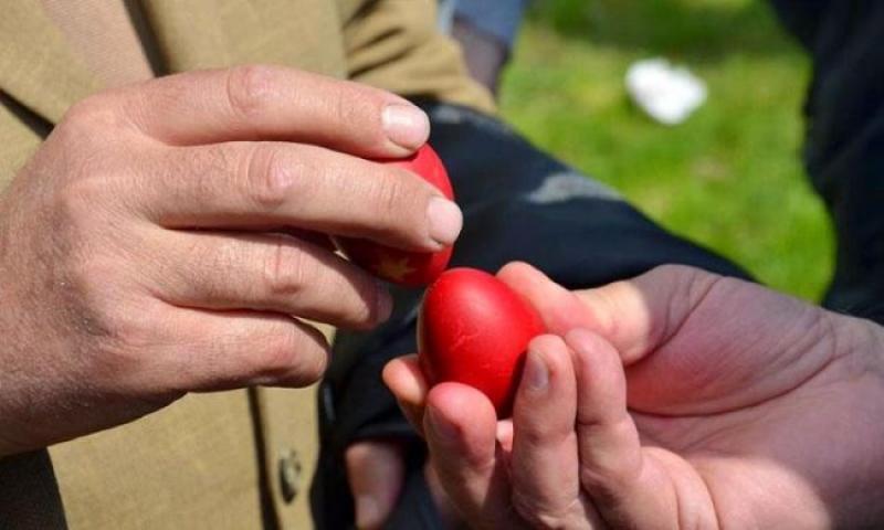 De ce ciocnesc românii ouă de Paște și ce semnifică acest obicei