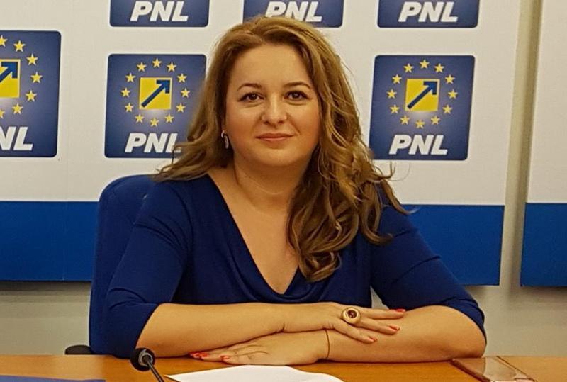 """Geanina Pistru (PNL): """"Căprar confirmă: PSD nu vrea parcare subterană în Piața Avram Iancu!"""""""