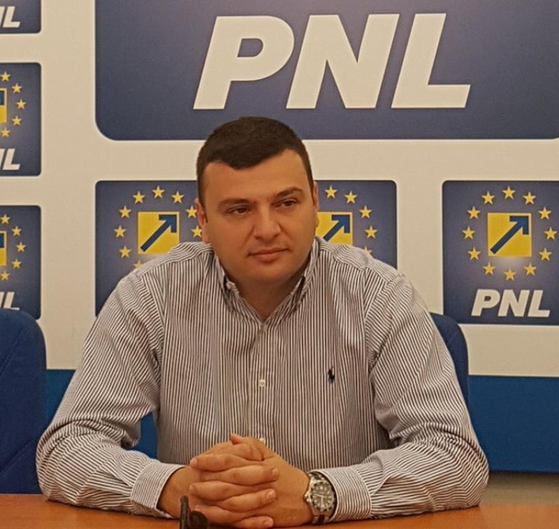 """Sergiu Bîlcea(PNL):PSD își bate joc de Arad: vrea stadion prin """"douăzeci… douăzeci"""""""