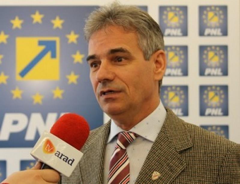 """Ioan Plaveţi (PNL):""""PSD arată cu degetul, dar a votat în unanimitate"""""""