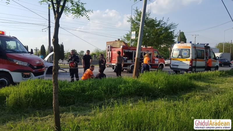 GRAV accident de circulație pe strada Petru Rareș. O persoană a rămas încarcerată
