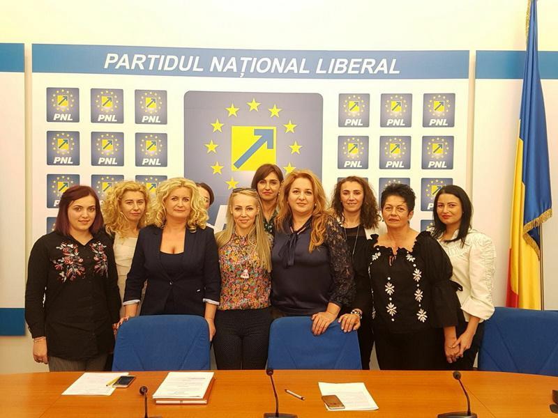 """Geanina Pistru (PNL): """"Demarăm proiectul 100 de femei liberale,100 de ani de la Marea Unire!"""""""