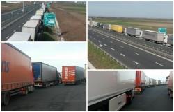 Coadă de 23 de kilometri la frontiera Nădlac! Şoferii de camioane, ajunşi în pragul disperării!