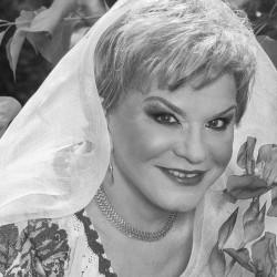 Ionela Prodan a murit. Interpreta de muzică populară a pierdut lupta cu boala, luni seara