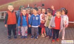 Micuții de la Grădinița Bambi au vizitat fabrica Moda din Arad