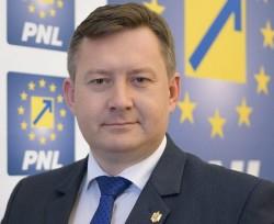 """Cristian Sălășan, consilier PNL: ,,Ne dorim o politică locală transparentă în orașul Lipova"""""""