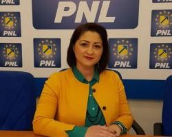 """Roxana Tabuia (PNL): """"Când proiectele Aradului sunt pe masa consilierilor, cei din PSD își iau un weekend prelungit"""""""