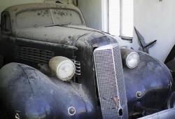 Este Cadillac-ul folosit de Sergiu Nicolaescu într-un film renumit.  Valorează peste 80.000 de euro