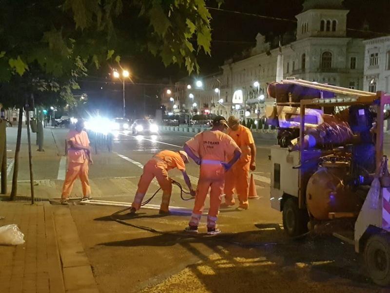 Se refac marcajele rutiere din municipiul Arad