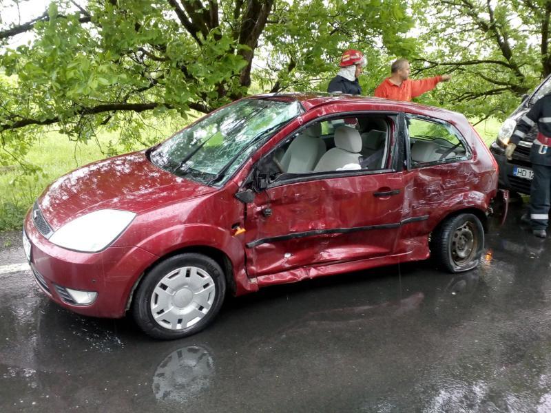 Accident rutier, între un autoturism și un microbuz pe DN 7
