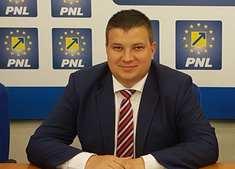 """Bogdan Boca (PNL): """"Luăm măsuri serioase pentru protejarea spațiilor verzi! Parcarea ilegală va fi sancționată aspru!"""""""