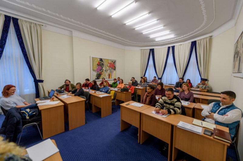 Noi cursuri la CCIA Arad- Formator şi Arhivar