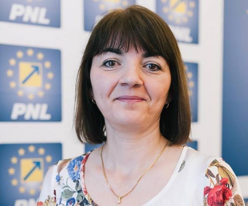 """Laura Andres, consilier local municipal: """"Marcăm la Arad Ziua Internațională a Adopției. Peste 600 de copii arădeni au nevoie de o familie!"""""""