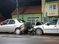 Trei mașini implicate într-un accident pe strada Petru Rareș în seara de 1 Mai