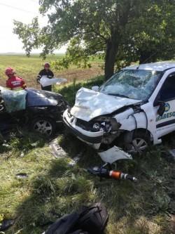 O tânără șoferiță și-a pierdut viața într-un cumplit accident de circulație, pe drumul Arad-Timișoara