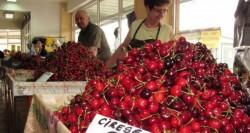 Scandalul cireșelor provenite din Turcia a încurcat planurile comercianților. Ce părere au arădenii