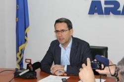 După trei săptamâni de criză a gunoailor, directorul ADI Sistem Integrat de Gestionare a Deseurilor (SIGD) Arad, Adrian Ţolea şi-a depus astăzi mandatul