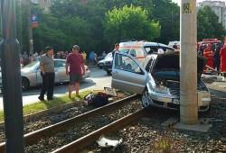 O persoană a rămas încarcerată în urma unui accident rutier, care a avut loc luni dimineața, în zona Vlaicu