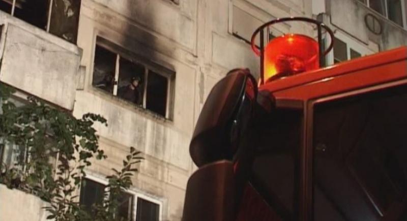 Explozie puternică la un apartament din Confecții. Un bărbat a murit carbonizat în baia locuinței