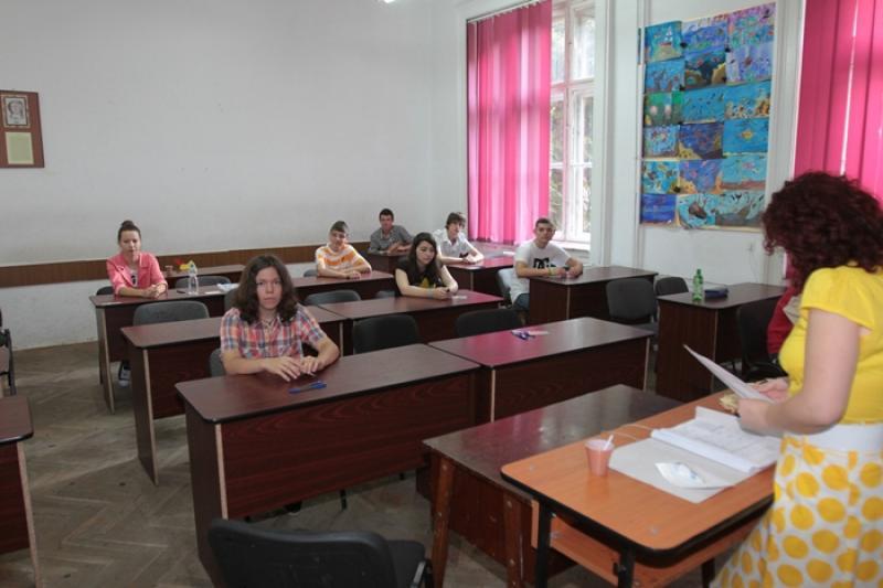 Emoții mari pentru elevii clasei a VIII-a. Luni 11 iunie au început prima probă a Evaluării Naționale 2018
