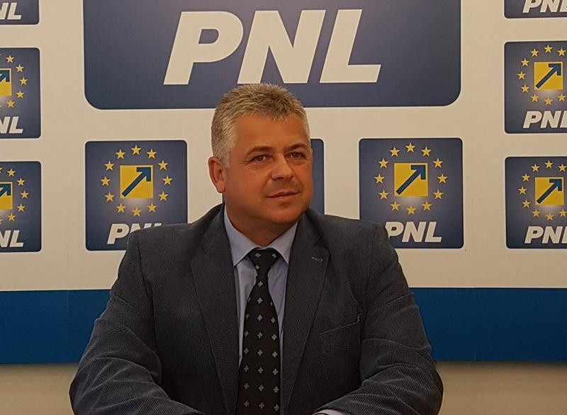 """Florin Sari (PNL): """"La Păuliș oamenii se organizează să îl oblige pe primar să-și facă treaba!"""""""