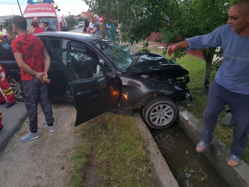 ÎNFIORĂTOR ! Un alt șofer teribilist făcea live pe facebook când a produs un accident mortal, vineri seara