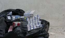 Contrabanda cu țigări nu ține cont de vârstă! O femeie de 70 de ani prinsă cu mai multe plase cu ţigări netimbrate de Jandarmii arădeni