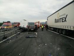 Patru persoane și-au pierdut viața sâmbătă dimineața, într-un groaznic accident rutier