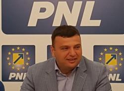 """Sergiu Bîlcea (PNL): """"În timp ce PSD se opune parcării subterane administrația liberală achiziționează 28 de tramvaie noi!"""""""