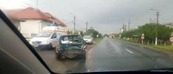 Grav accident rutier în vestul țării. O fetiță de 9 ani și o femeie de 34 de ani au fost rănite