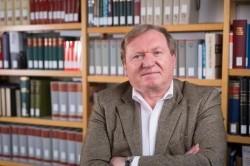 Josef Wolf de la Institutul pentru Istoria și Geografia Regională a Șvabilor Dunăreni din Tübingen va conferenția la Arad