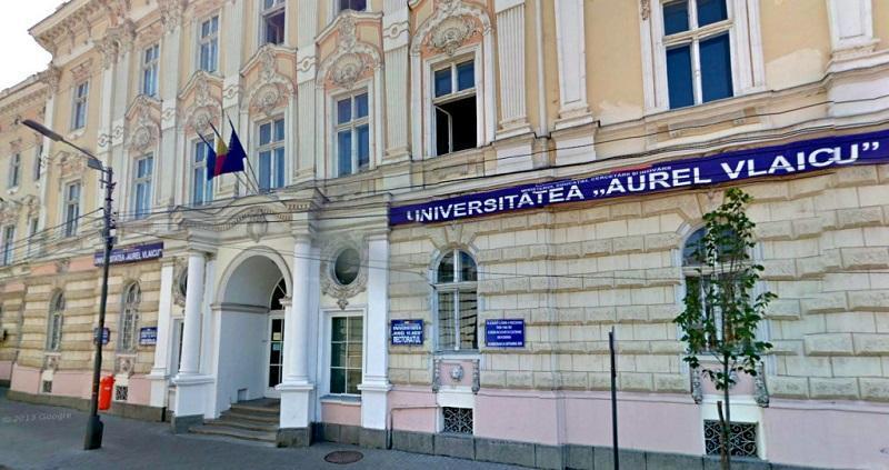 """A început înscrierea la Universitatea """"Aurel Vlaicu"""" din Arad"""