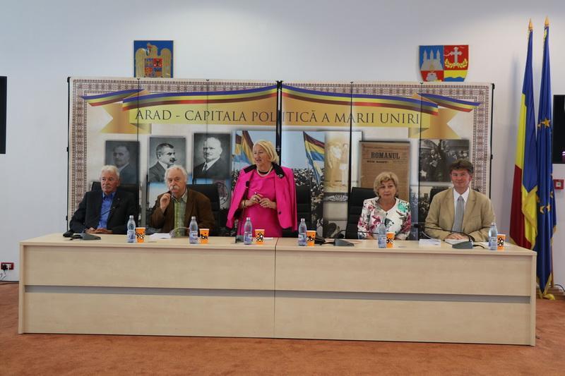 Lansare de carte, la Consiliul Judeţean Arad