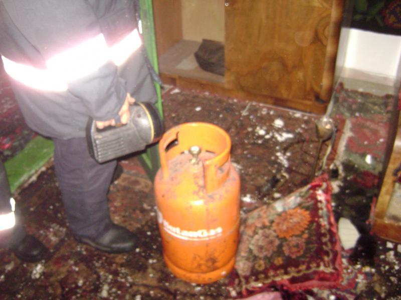 Buteliile ținute pe balcon au explodat. Soț și soție răniți în urma exploziei