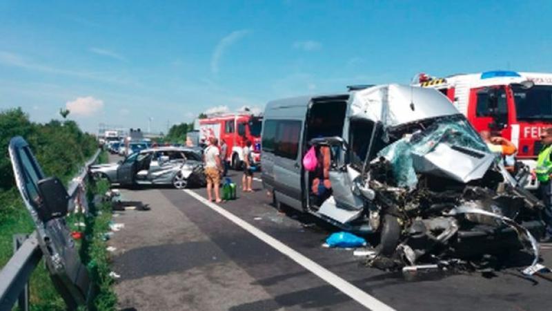 Accident TERIBIL cu români implicați, în Austria