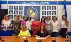 """Proiectul """"100 de femei liberale, 100 de ani de la Marea Unire"""" a adus alte  10 doamne în PNL!"""