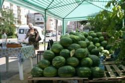 S-au stabilit amplasamentele pentru comerţul stradal cu pepeni în Arad