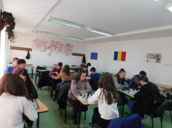 Elevii scutiți de sport vor fi obligați să practice șahul