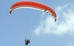 Accident cu parapanta în la Şiria! Un tânăr de 20 de ani s-a ales cu multiple traumatisme!