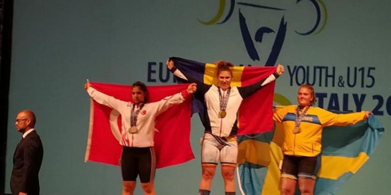 Halterofila Luciana Condurache e triplă campioană europeană!