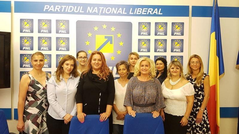 """Geanina Pistru (PNL): """"Continuăm campania 100 femei liberale, 100 de ani de la Marea Unire"""""""