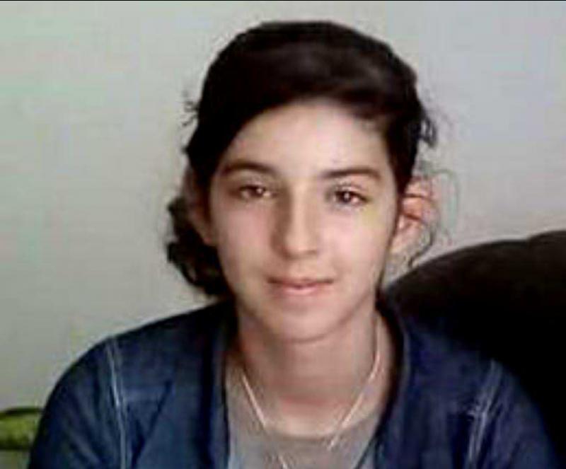 Ai văzut-o ? Fata de 13 ani din Oradea, care și-a înjunghiat bunica este dată în urmărire națională