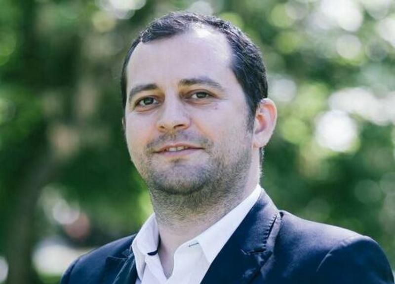 Razvan Cadar: Deputatul Căprar sare să apere abuzurile PSD în loc să lupte pentru Arad
