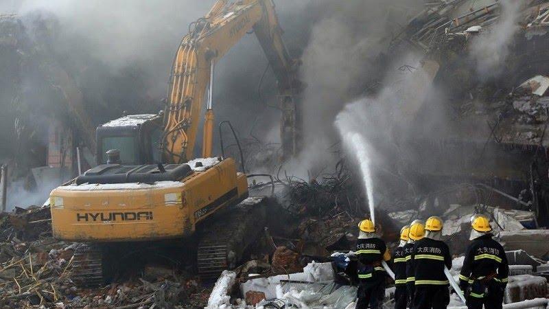Incendiu puternic într-un hotel din China. Cel puțin 18 persoane și-au pierdut viața
