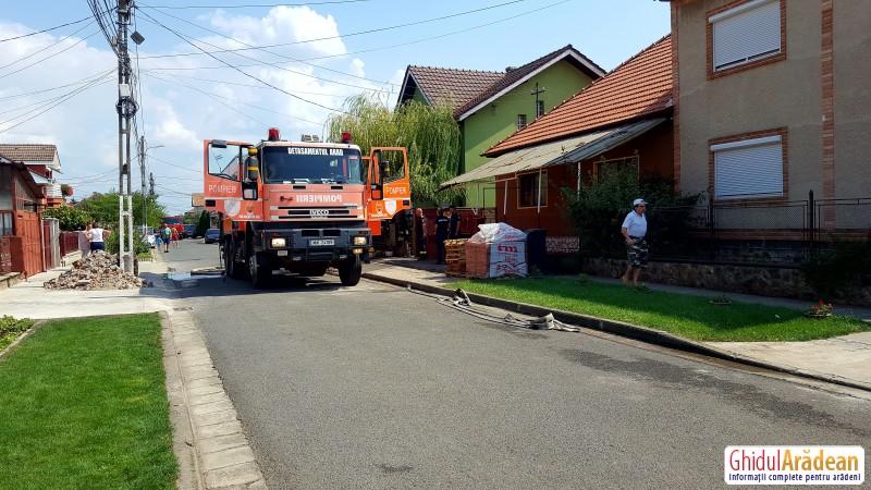 Familie din Arad DISPERATĂ ! Casa le-a luat foc