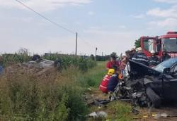 Grav accident rutier, produs miercuri după masă. Trei adulți și doi minori au fost grav răniți