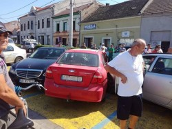 GRAV accident rutier în Aradul Nou! Fetiţă de 11 ani lovită pe trecerea de pietoni de la stadionul Motorul