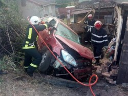 Lanț de accidente pe drumul Arad-Deva. Un tânăr de 22 de ani și-a pierdut viața, iar un alt șofer beat a fost la un pas de tragedie