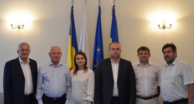 Reprezentanţi ai municipiului Ungheni în vizită la CCIA Arad