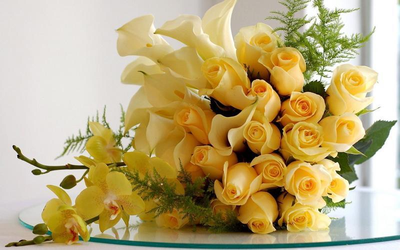 Când este recomandat să oferi buchete de trandafiri galbeni?